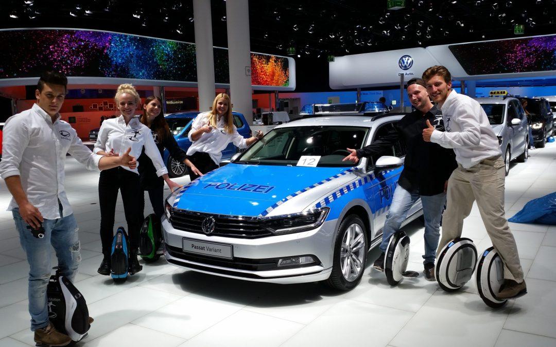 Die Erinnerungen kommen hoch, wenn man auf der Messe ein Polizeiauto sieht und weiß dass im Bereich der StVO das ganz anders aussehen würde