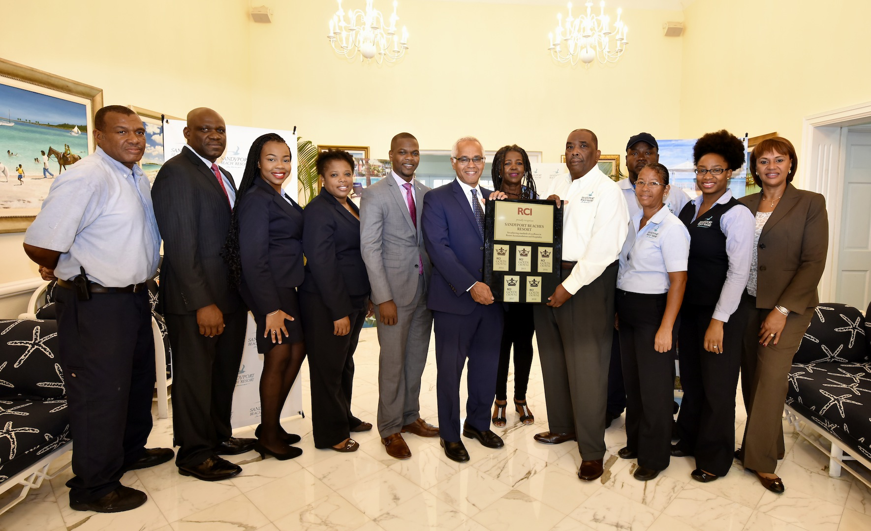 Minister D'Aguilar celebrates Sandyport Beach Resort's TripAdvisor and RCI Top Awards