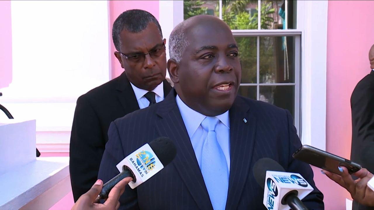 Davis blames FNM for outrageous stadium costs