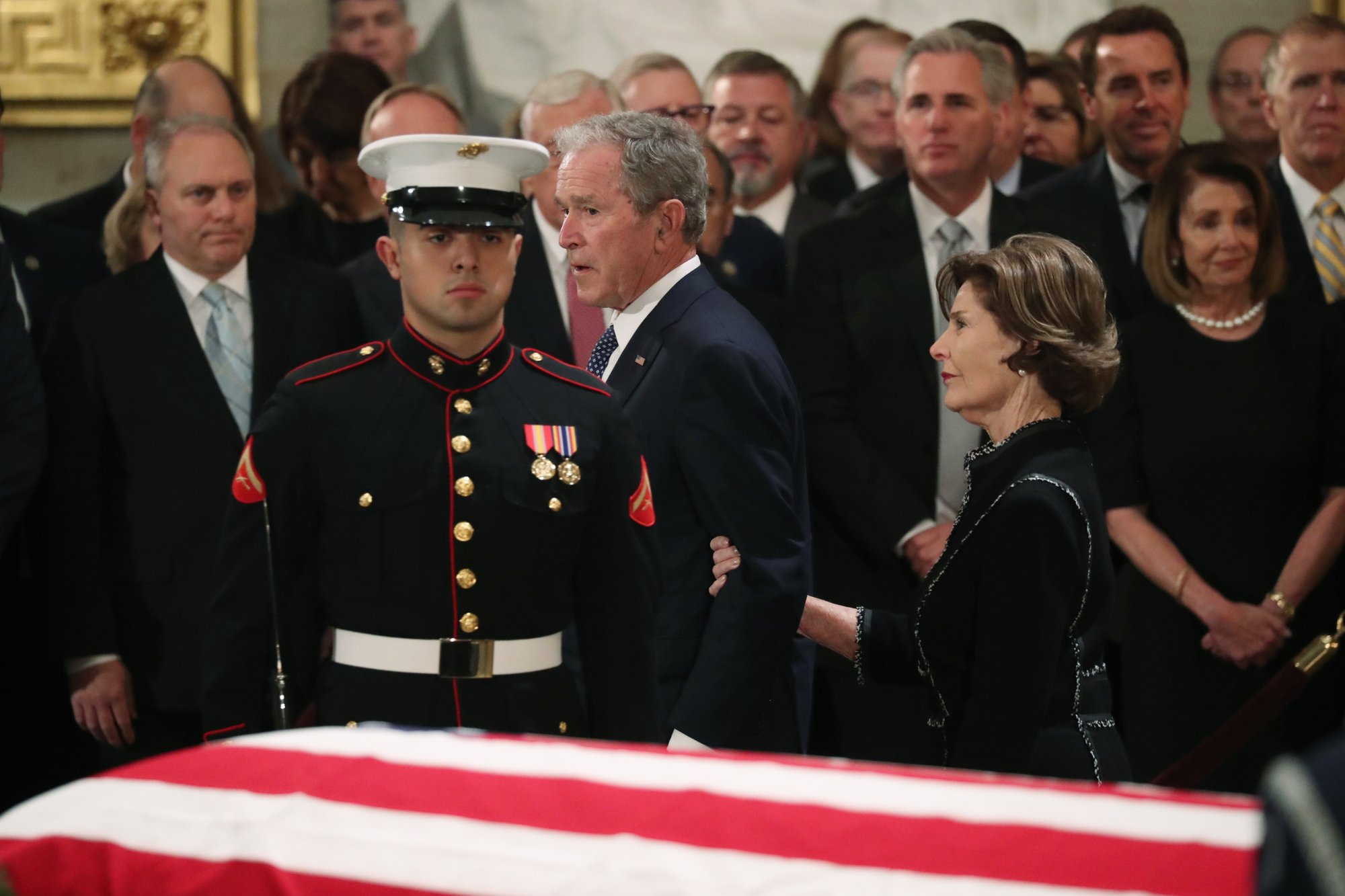 At Capitol, Bush saluted as 'gentle soul,' 'great man'