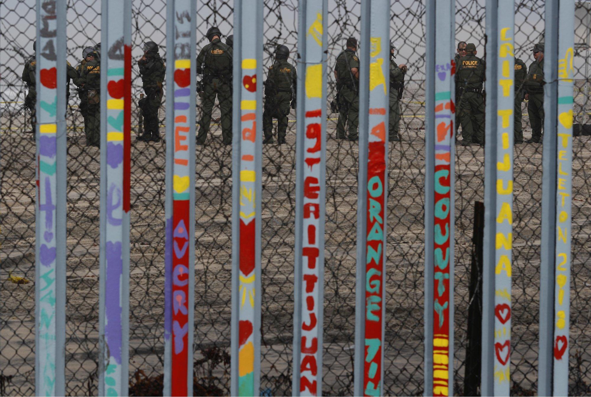 Trump to meet with Democrats on border wall, shutdown