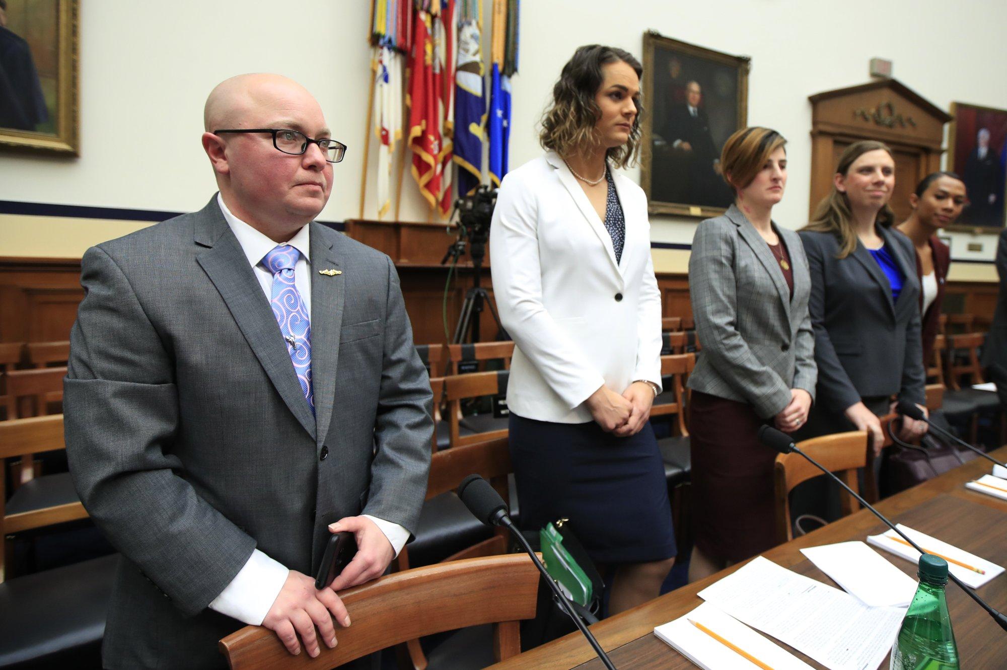 New Pentagon transgender rule sets limits for troops