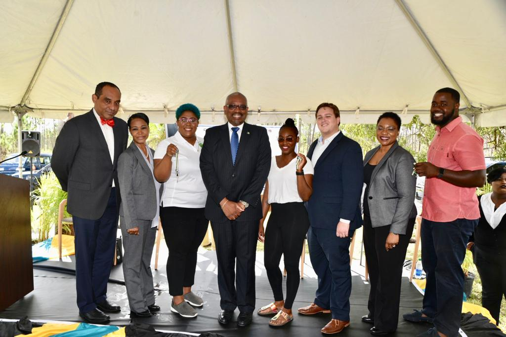 PM hands over keys to Spring City homeowners