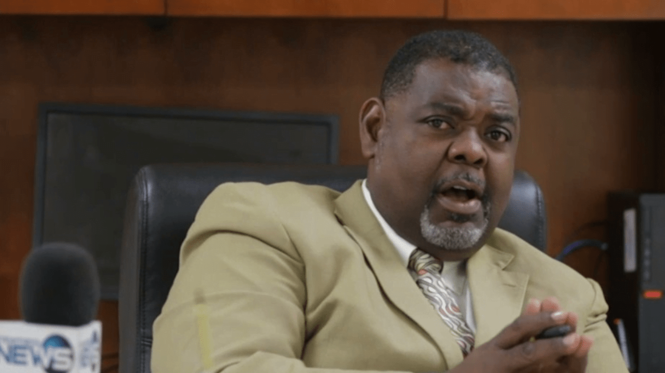 Pinder commends PM on averting BTC call center outsourcing