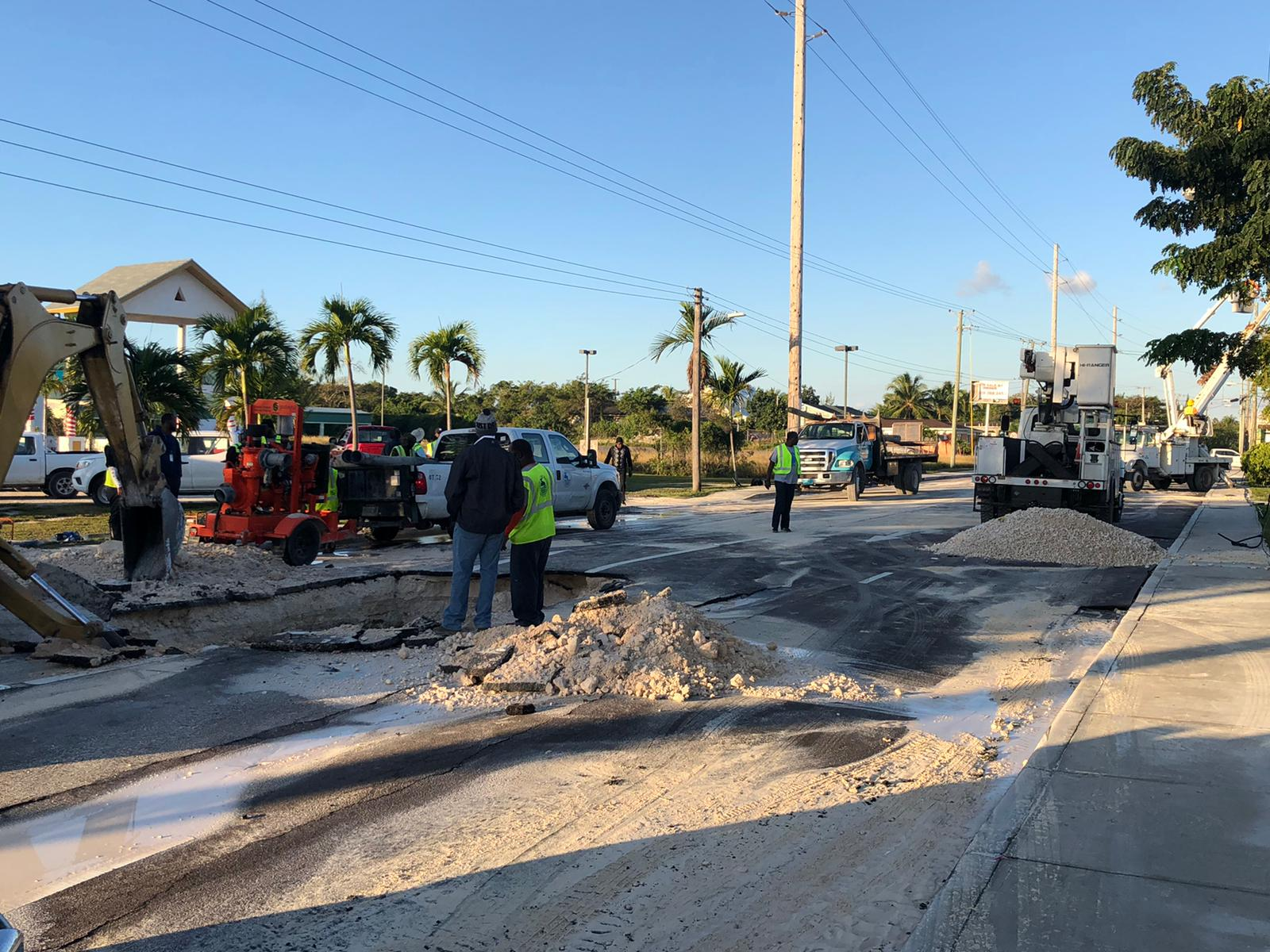Cracked water pipe forces partial road closure, supply disruption for eastern residents