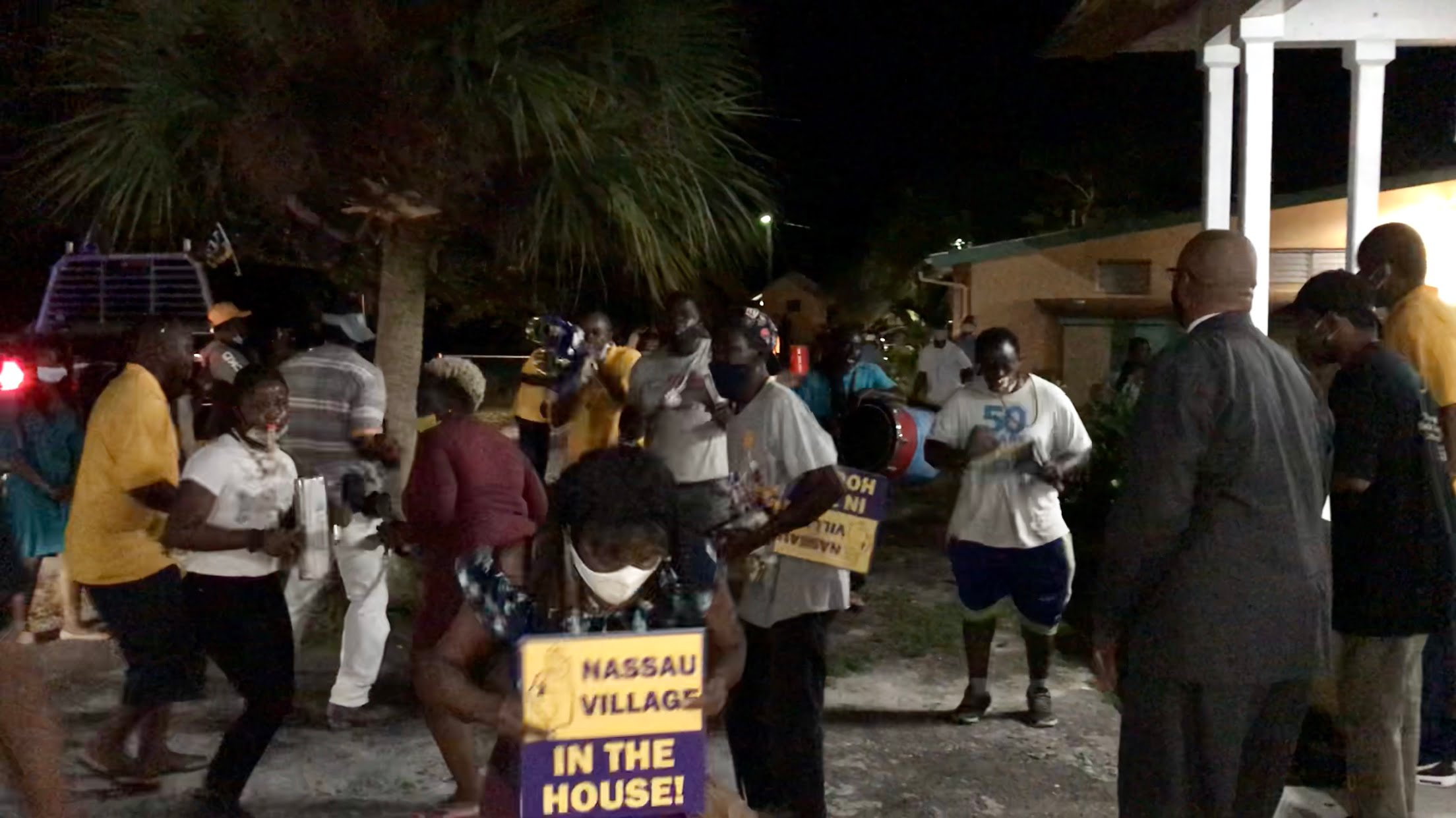 """PLP service turns political rally with """"unplanned"""" Junkanoo rushout"""