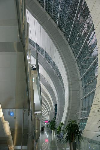 Dubai International Airport (DXB) - Dubai metro ドバイ国際空港とドバイ・メトロ