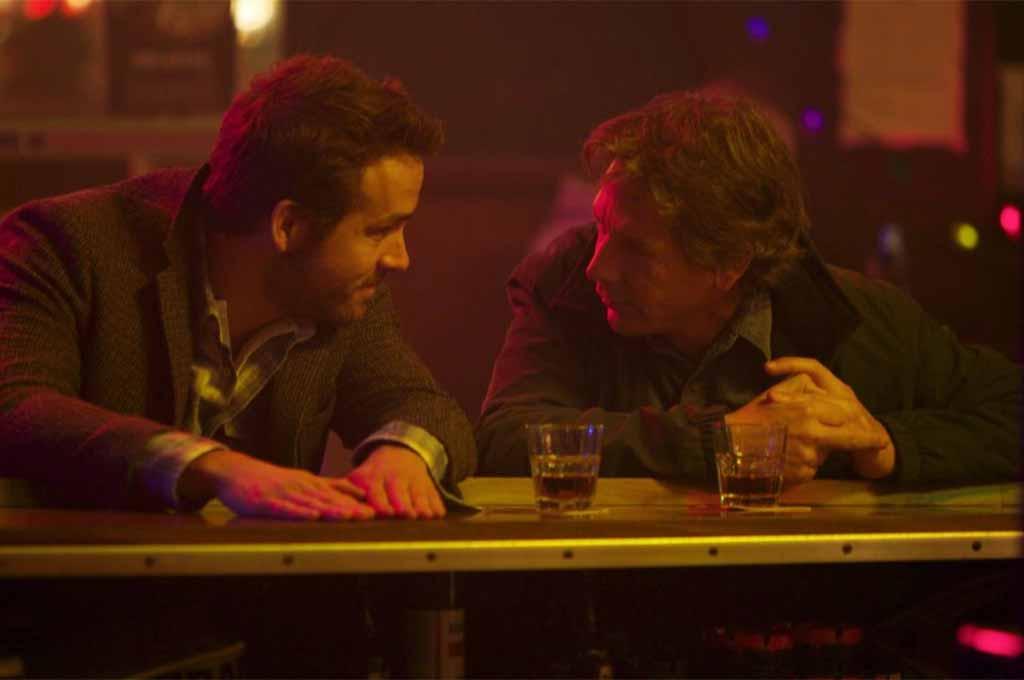 Ryan Reynolds plays Curtis, Ben Mendelsohn is Gerry in Mississippi Grind