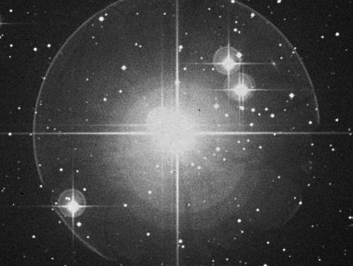 Charla sobre Estudios de binaridad entre las estrellas de Hg-Mn (Mercurio-manganeso)