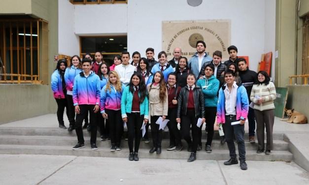 Visita de escuela secundaria del Departamento de Sarmiento