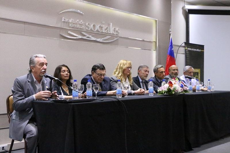 Comenzó el I Congreso Binacional de Investigación Científica Argentina Chile