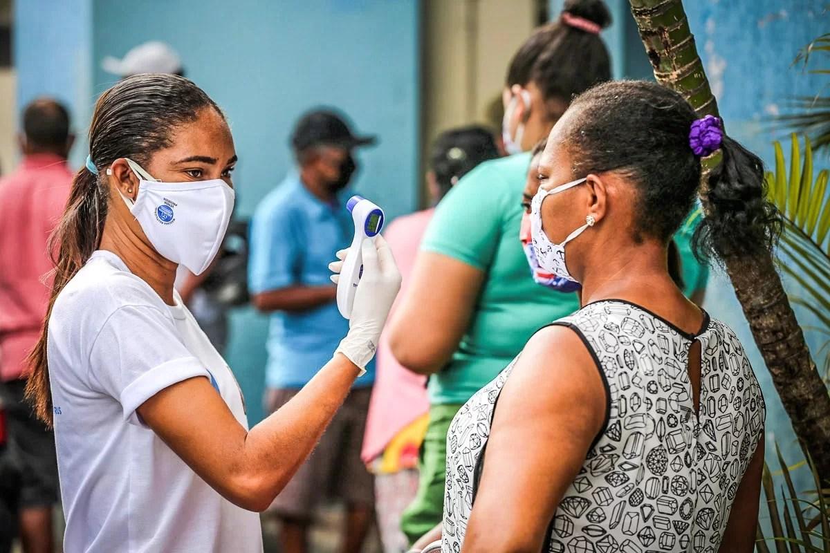 Brasil registra mais 627 mortes por covid e total passa de 217 mil