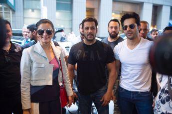 Varun Dhawan, Alia Bhatt, Salman Khan at IIFA 2017