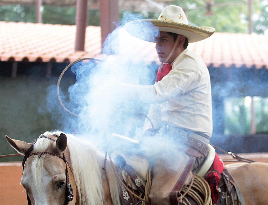 Enrique Jiménez acertó dos piales en el lienzo para la cuenta de Cuauhtémoc