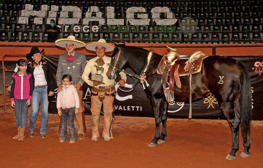 Luis Miguel Basurto fue el campeón del Coleadero de Excelencia Charra 2020