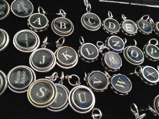 Jewellery from vintage typewriters ...