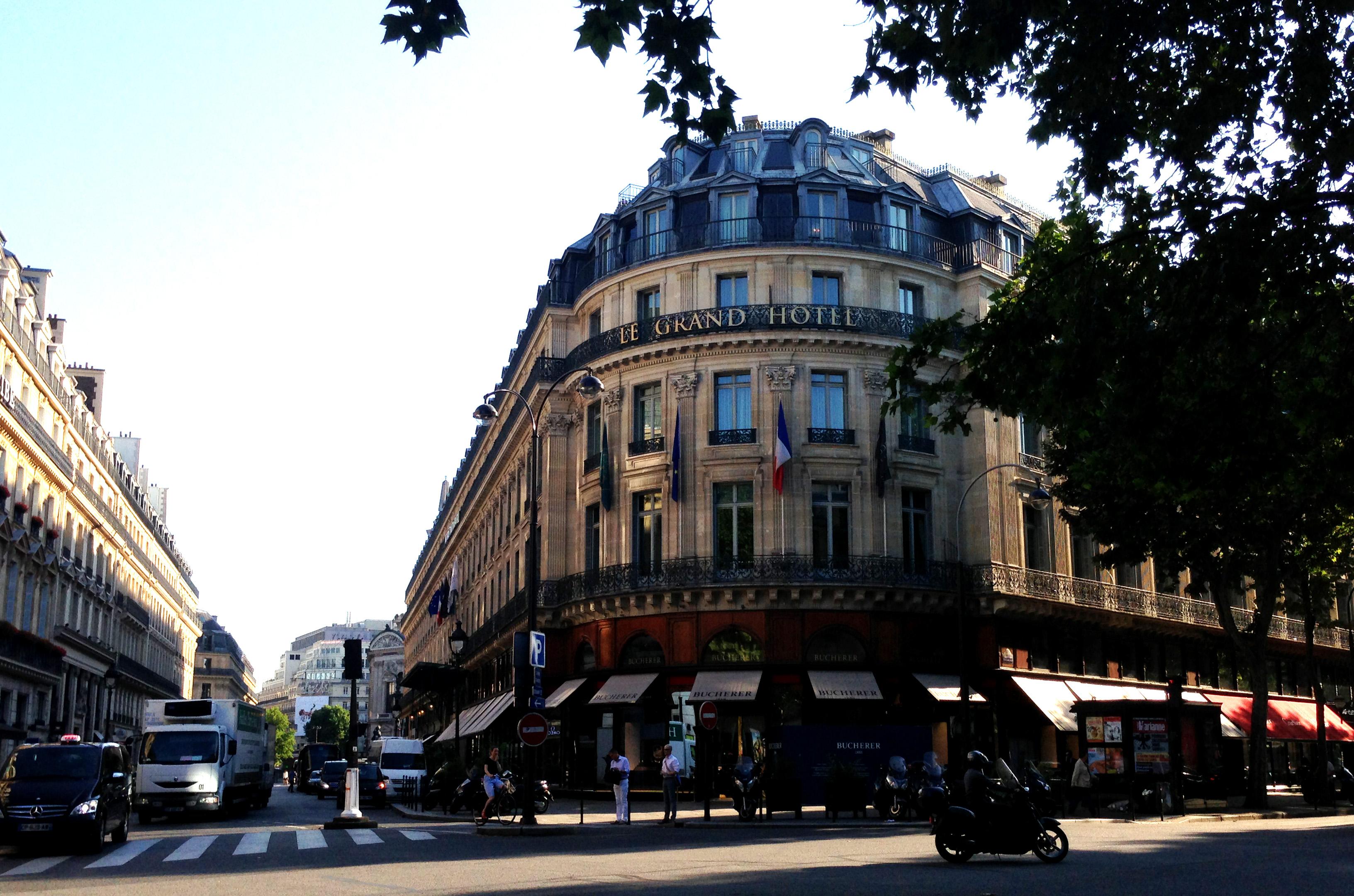 Paris Le Grand 8845 Copyight Shelagh Donnelly