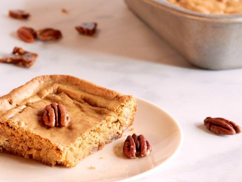 Brown Sugar Toffee and Pecan Blondie