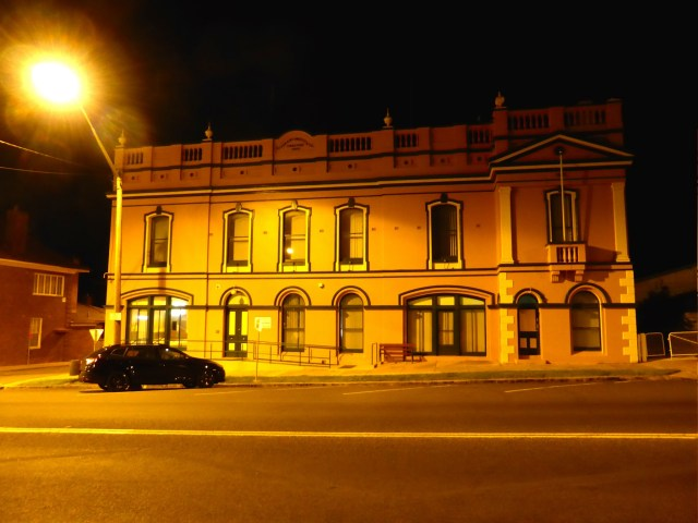 Braidwood by night