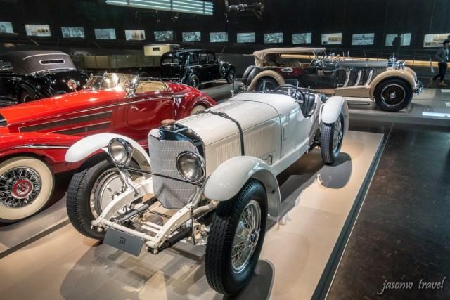 平治博物館 Mercedes-Benz Museum