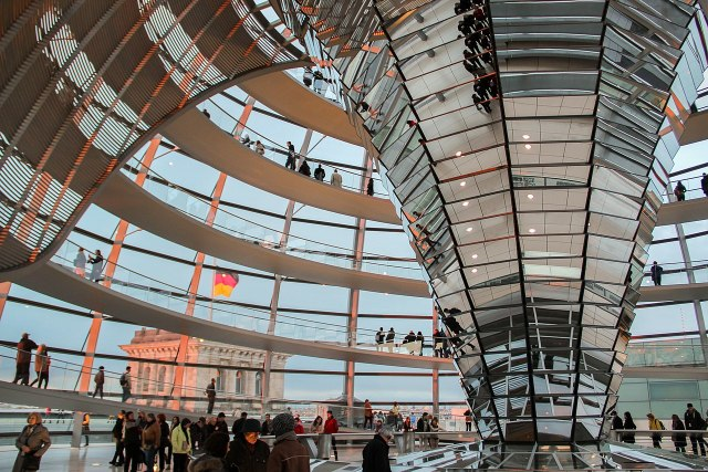 1280px-berlin_-_reichstag_dome_281722240351529