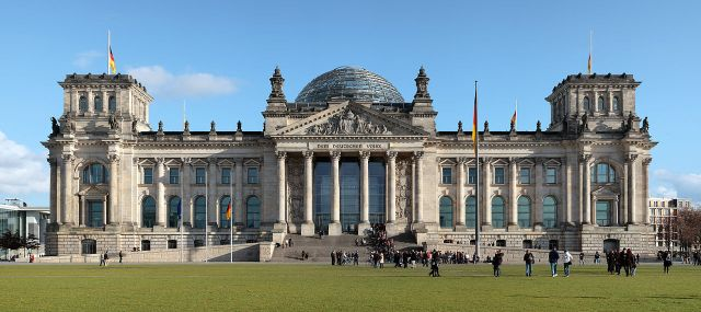1280px-berlin_reichstag_west_panorama_2