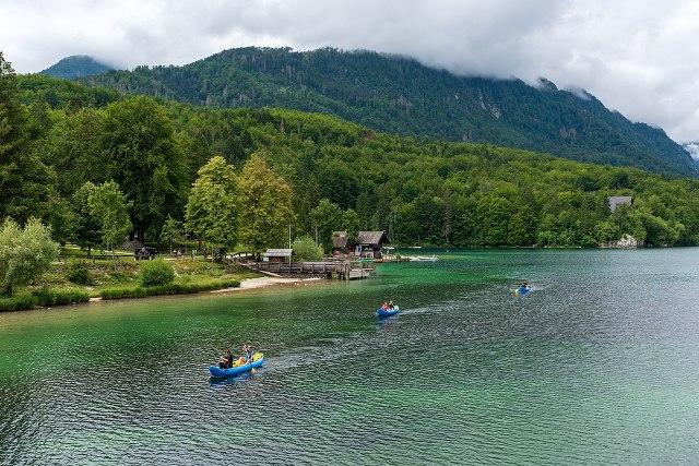 1280px-Lake_Bohinj_(44448736810)