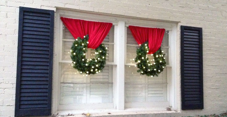 Decorating Ideas For Your Windows This Holiday Season