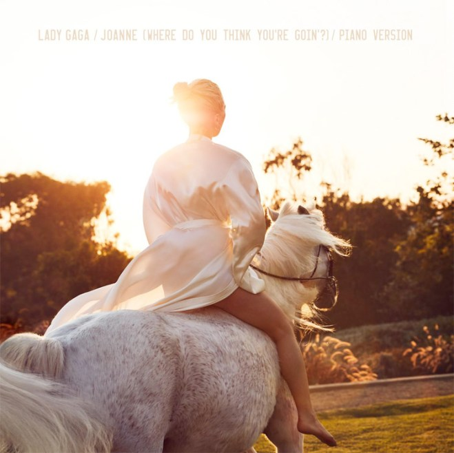 "Lady Gaga Premieres New Piano Version  ""Joanne"""