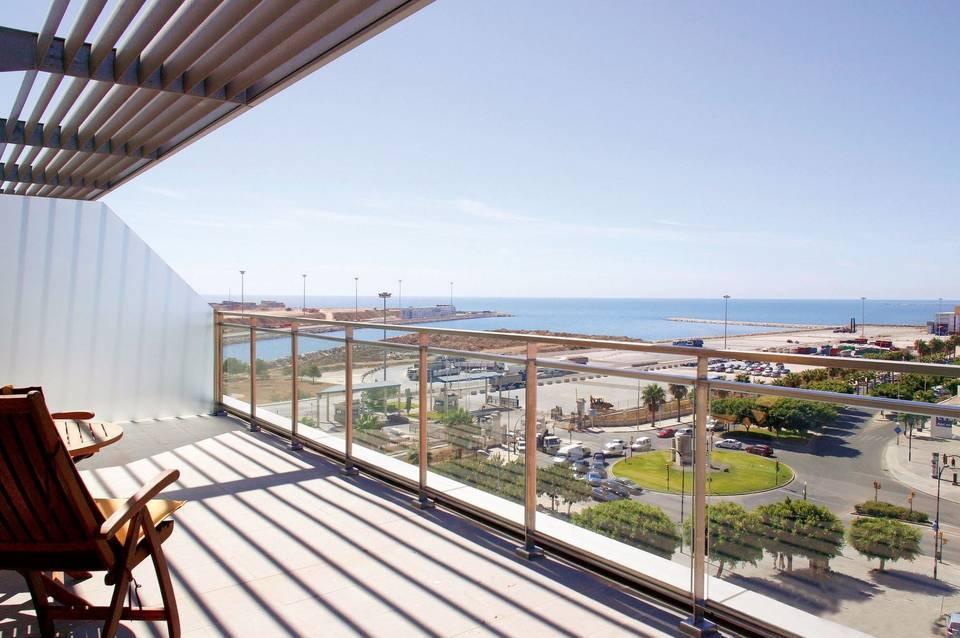 Hotel Ilunion Malaga Exclusive Holidays