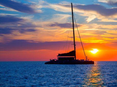 Valencia Crucero al atardecer con cena en la playa