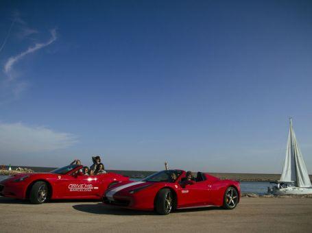 Conduce un Ferrari por Barcelona y realiza un deportes acuáticos