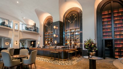 Rundle Bar at Fairmont Banff Springs