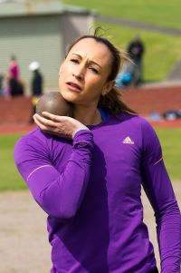 800px-jessica_ennis_-dorothy_hyman_sports_centre2c_cudworth2c_south_yorkshire2c_england-13may2012