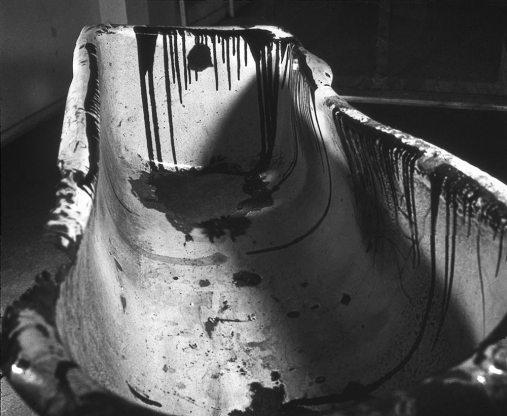 Arte destructivo, 1961 Photographs by Jorge Roiger Galería Lirolay, Buenos Aires Courtesy of Julieta Kemble