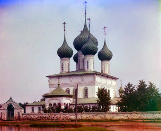 (Summer) Church of the Fedorov Mother of God. Yaroslavl - Views along the upper Volga River, between Yaroslavl, Vladimir, and Kostroma, Russian Empire - Sergei Mikhailovich Prokudin-Gorskii Collection — Lib. of Congress Prints and Photographs Division