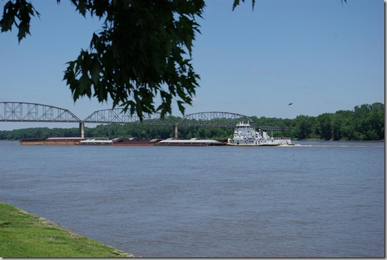 bridge over Mississippi at Louisiana, Missouri