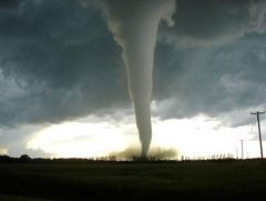 800px-F5_tornado_Elie_Manitoba_2007