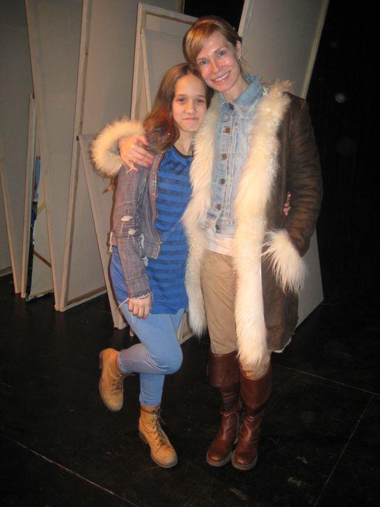 Ángela Torres, hija de la actriz Gloria Carrá y sobrina de Diego Torres, debutó en el teatro off en la obra Irreal.