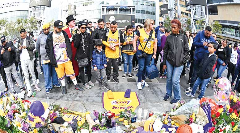 Multitudinaria despedida a Kobe Bryant
