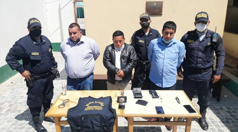 https://exitosanoticias.pe/v1/wp-content/uploads/2020/08/chiclayo-sujetos-se-hacian-pasar-policias-estafar-ancianos-pension-65.jpg