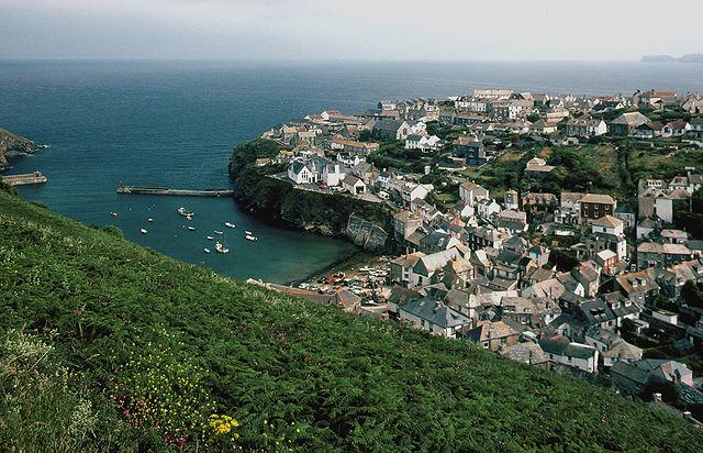 Port Isaac, Cornwall, the setting for Portwenn.
