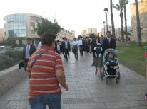 09. Jews going to the wailing wall for the sabbayj