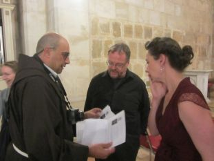 02-friar-ricardo-with-organist-and-anne-marieke