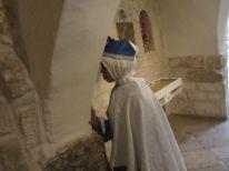 20-a-praying-woman
