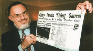 UFO Researcher Stanton Friedman Dies After Half-Century Effort to Prove Alien Life