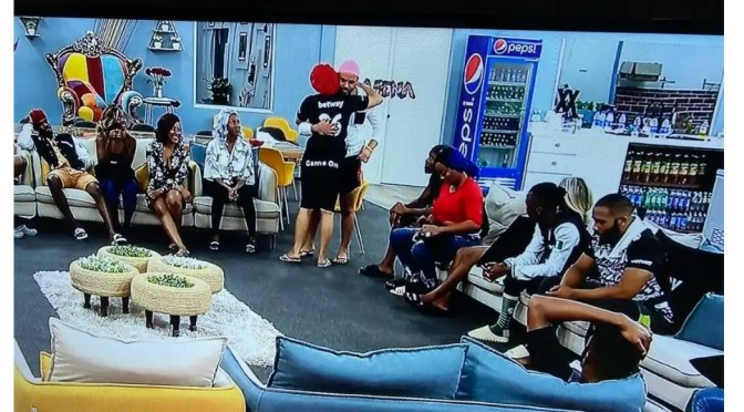 "#BBNaija: ""I really love you and I'll do anything for you"" – Ozo tells Nengi, again"