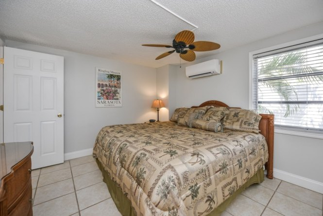 Hummingbird Siesta Key Superior Condo 2 Bedrooms Pool Access
