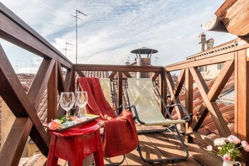 rialto rooftop terrace loft in venedig