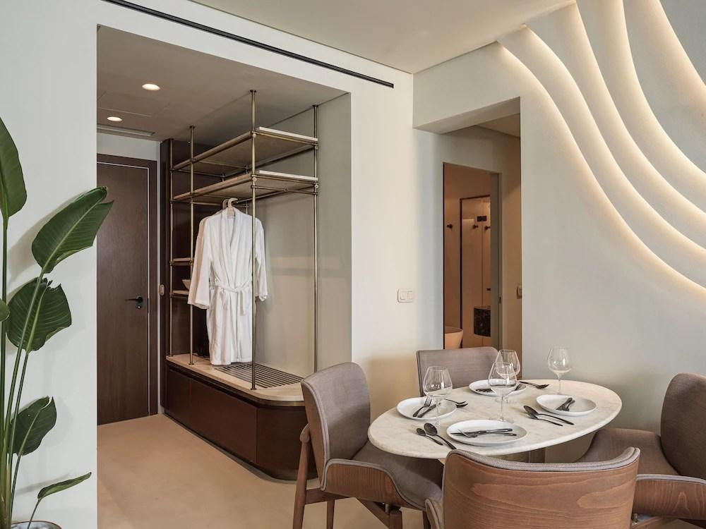 Brown Beach Corinthia a member of Brown Hotels, Loutraki-Agioi Theodoroi, Executive Suite Sea View with balcony, Living Room